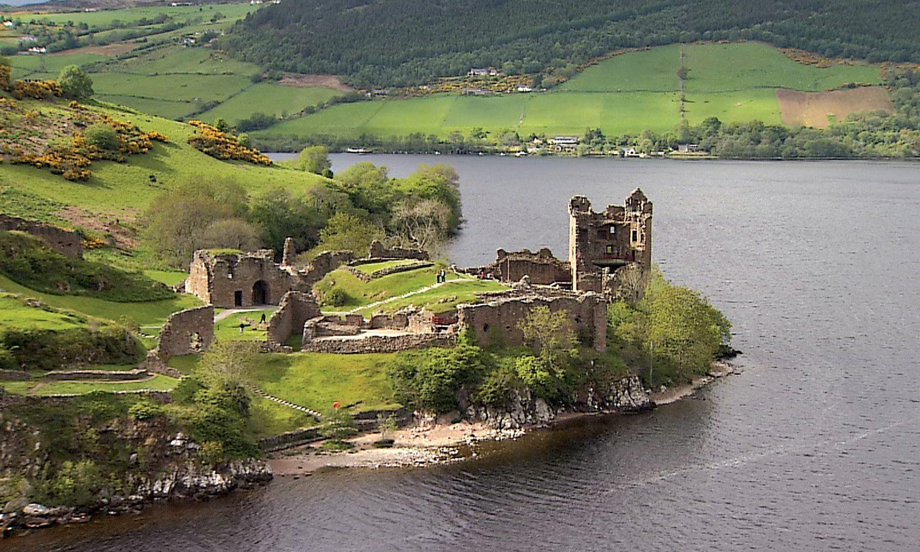 Urquhart Castle Loch Ness Scotland Highlands Castles Wallpapers
